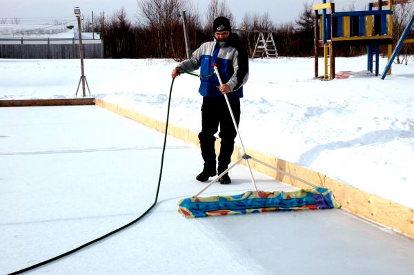 Backyard Rink Lighting : BACKYARD RINK ? SYDNEY MINES  Cape Breton News